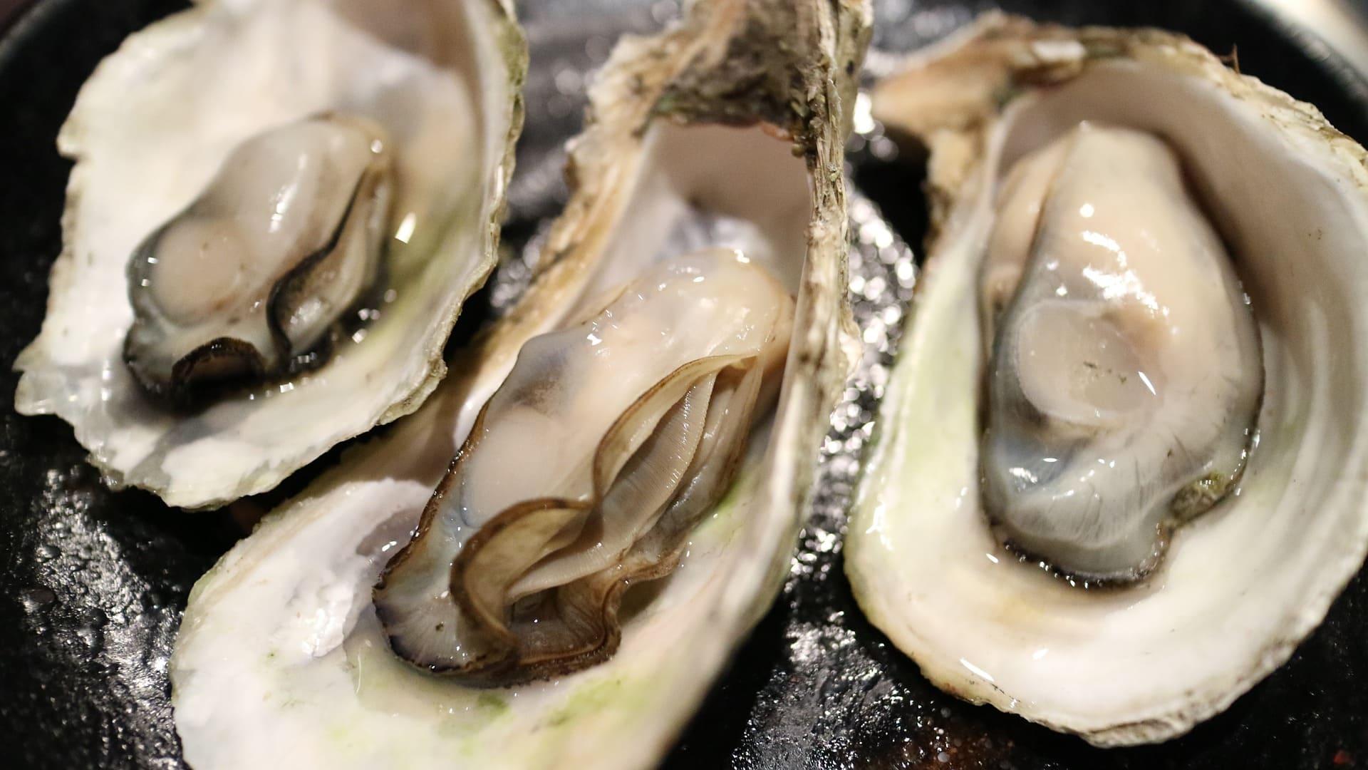 生々しい牡蠣